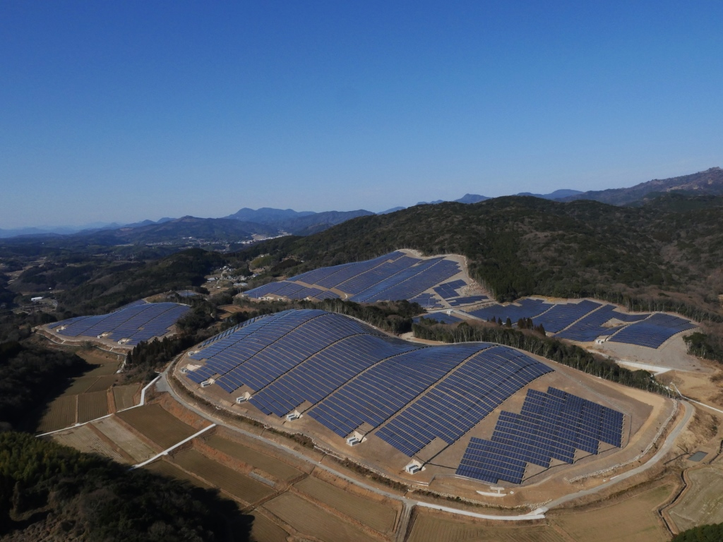 Hanwha Q Cells Japan Builds And Operates 24 Mw Solar Park