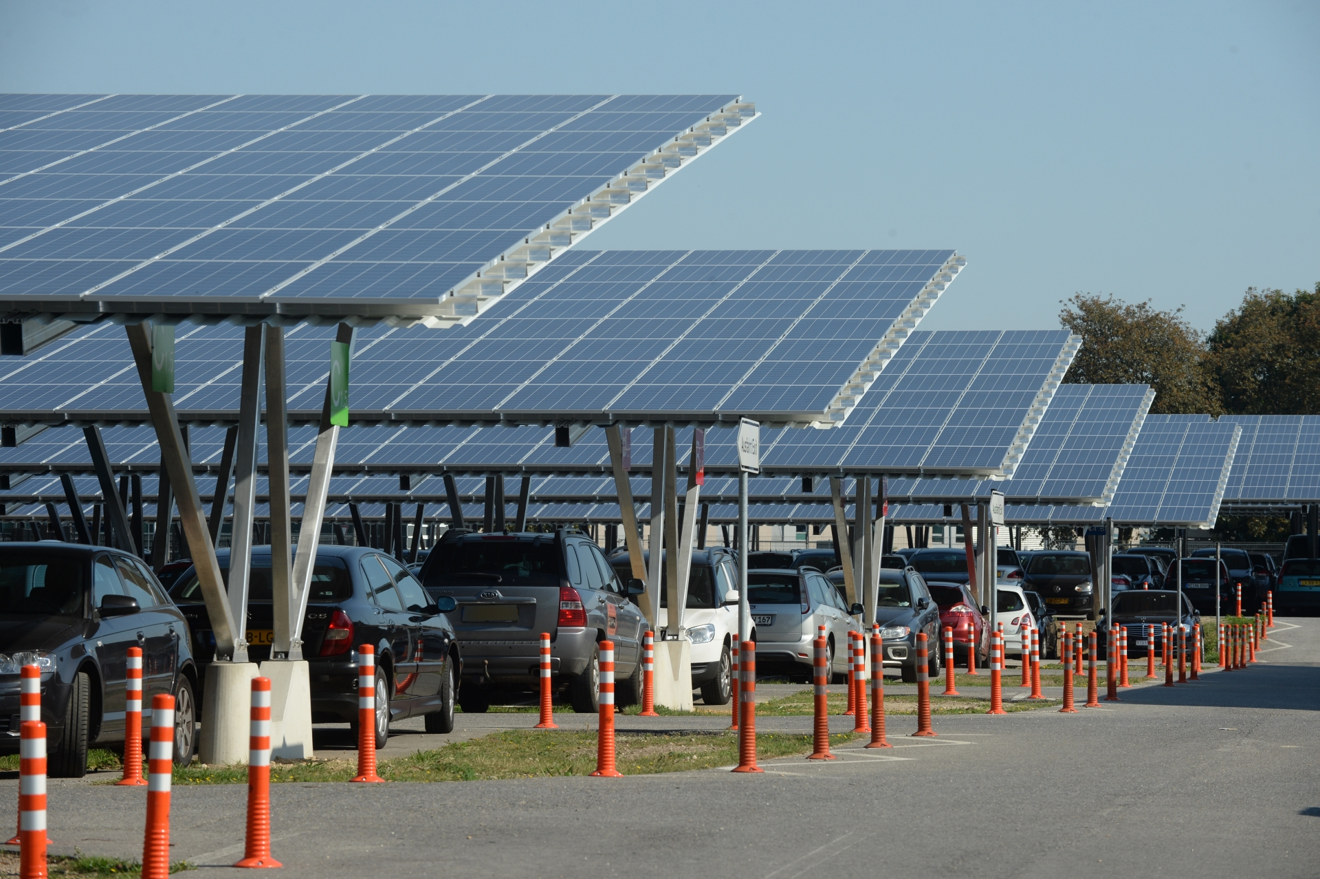 4 Mw Solar Carports For Weeze Airport Opened Sun Amp Wind