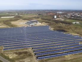 The CSP system with a capacity of 16.6 MWth consists of 40 rows of 125 m U-shaped mirrors with an aperture area of 26,929 m<sup>2</sup>. (Photo: Aalborg CSP)