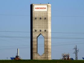 The high-temperature demonstration tower plant Eureka on the Solúcar platform in Spain. (Photo: Abengoa)