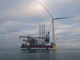 Sea Challenger and her crew, together with Statoil and Siemens installed the first turbine on Dudgeon OWF. (Photo: Statoil, Byron Price / Rix Leopard)