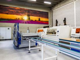 Clients can test-manufacture back-contact solar panels at Eurolab. (Foto: Eurolab)
