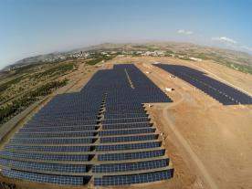 5.3 MW ground mounted PV installation of İnönü University in Eastern Anatolia, in the back Turgut Özal Medical Centre. (Photo: İnönü University)