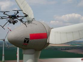 Camera-equipped drones provide high-end display photos. (Photo: Batcam)