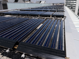 A large solar thermal system on the roof of a bank in Geneva. (Photo: Helvetic Energy)
