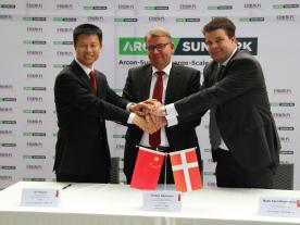 By joining hands Chinese Sunrain and Danish Arcon-Sunmark seek to supply the Chinese market with large-scale solar heating solutions: Xu Xinjian, Chairman of the Board, Jiangsu Sunrain Solar Energy Co., Ltd.; Torben Sørensen, Group Executive Officer of VKR Holding and Mads Kann-Rasmussen, Member of the Board of Directors VKR Group (from left to right). (Photo: Arcon-Sunmark)