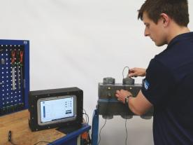Using Bolt-Check to monitor clamp load (pict.: R&D A/S)