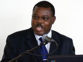 <b>Mozambique's Energy Minister Salvador Namburete wants to import only those components that cannot be produced in the country itself.</b><br><br><i>Photo: Ministry of Energy</i><br>