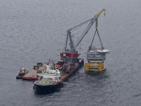 'Stanislav Yudin' has installed the transformer platform topsides for Anholt wind farm. (Foto: Seaway Heavy Lifting)