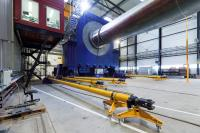 Fraunhofer IWES will expand its test stand for whole rotor blades with an infrastructure for testing individual segments. (Photo: Fraunhofer IWES)